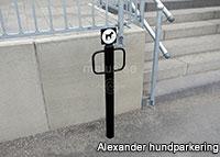 Malus Alexander hundparkering hundpollare offentlig miljö utomhus utomhusmiljö
